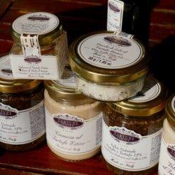 Ensemble à la truffe avec du miel d'acacia aux truffe - Tartufi Jimmy - Pauline&Olivier