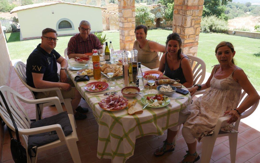 Déjeuner convivial chez Giacinta Trivero