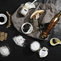 Huile à la truffe blanche et noire d'Italie, vinaigre et condiments