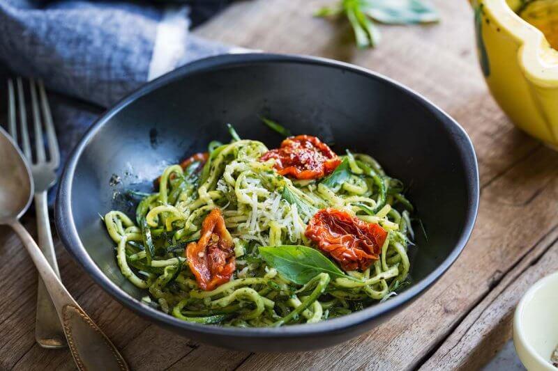 Spaghetti de courgettes et pesto à la truffe by Pauline&Olivier